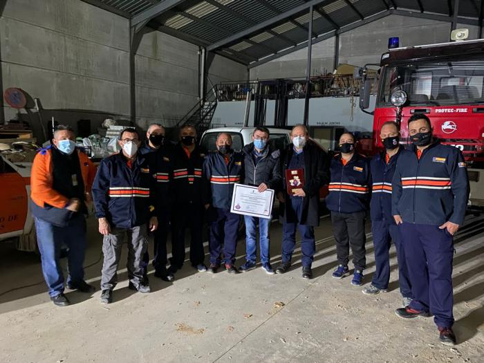 Se entrega una bomba eléctrica para inundaciones a la Agrupación de Protección Civil de Las Valeras