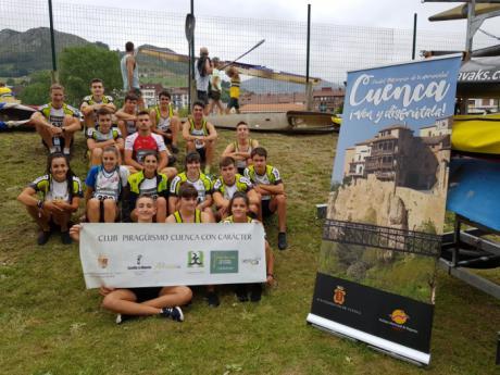 El Club Piragüismo Cuenca con Carácter muestra su destreza en el Descenso Internacional del río Sella.