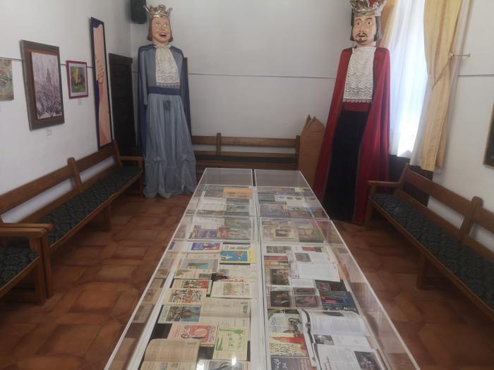´Acuarelas´ de Begoña Manzanares, ´Las fiestas en portada´ y el Certamen José Antonio Sequí llegan a Casa Parada y al Auditorio Municipal