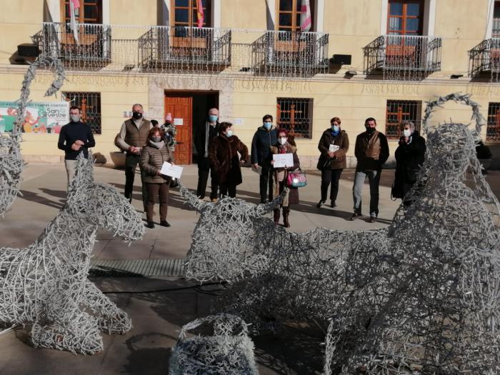 López Carrizo destaca la figura de Jesús Heras y su aportación solidaria con el libro ´Resplandor´