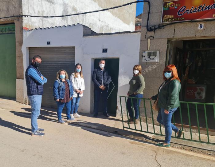 Una veintena de autónomos y microempresas de Los Hinojosos reciben ayudas por parte del Gobierno regional