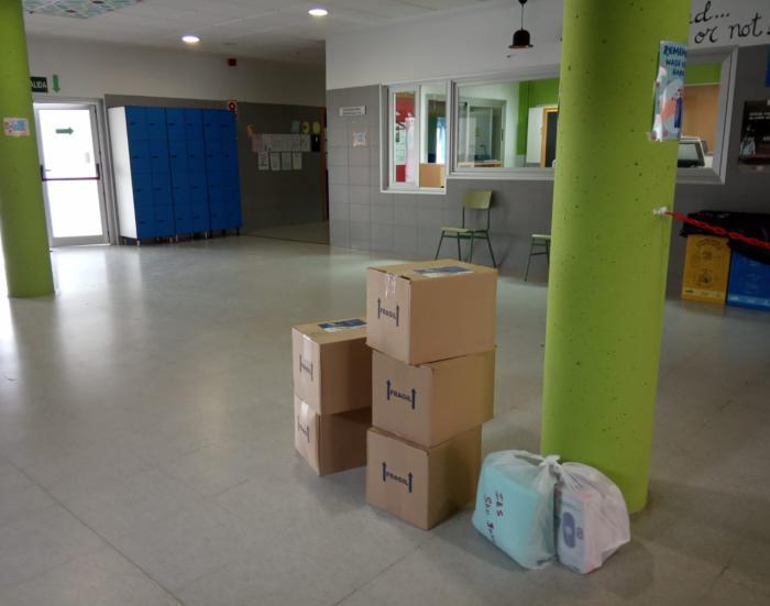 Educación envía a los centros educativos de la provincia alrededor de 30.000 unidades de material de protección