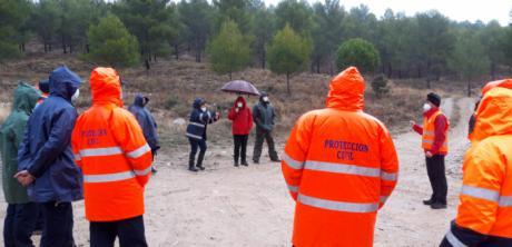 Se dota de una bomba eléctrica para inundaciones a las agrupaciones de Protección Civil de Las Valeras, Cañizares y Cañete