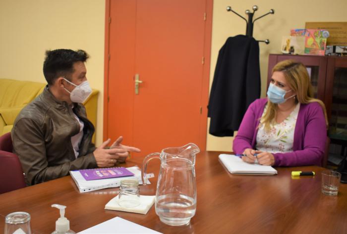 La Junta colabora con el Ayuntamiento de Campos del Paraíso en la mejora de la accesibilidad del consistorio