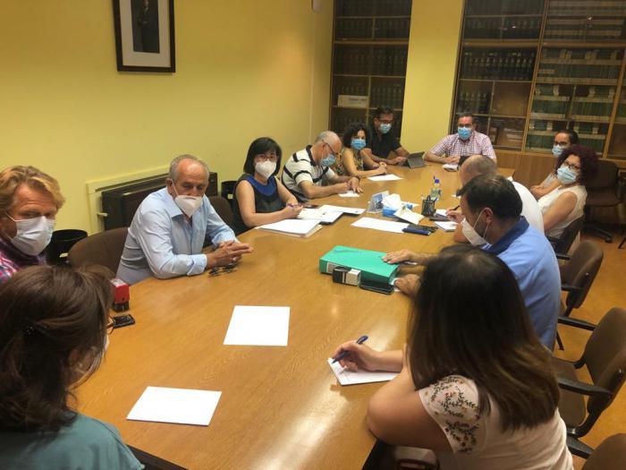 La Junta firma con los grupos de acción local la ampliación de los plazos del convenio para facilitar la concesión de ayudas