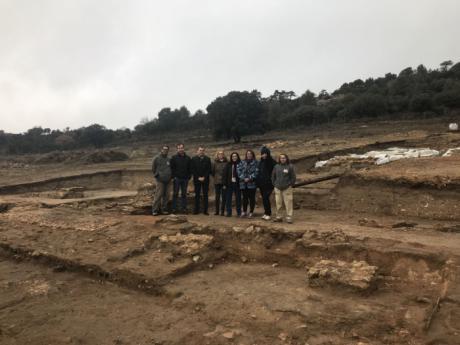 Un taller de empleo del Gobierno regional ha permitido abrir 400 metros cuadrados nuevos de yacimiento en la villa romana de Noheda