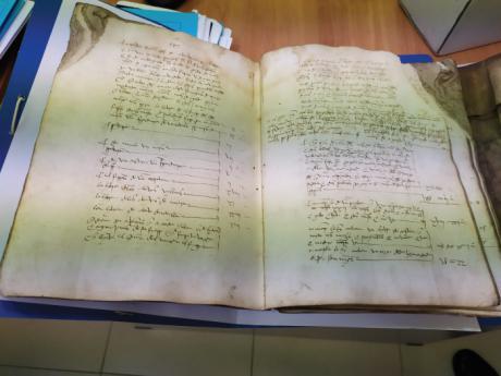 Diputación restaurará documentos únicos como los títulos de villa de Minglanilla y Albendea, entre otros