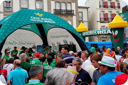 Globalcaja y Seguros RGA organizan una fan zona solidaria con motivo de la Vuelta Ciclista