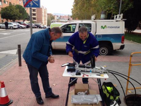 Telefónica llevará fibra óptica a 600 poblaciones más de Castilla-La Mancha en dos años