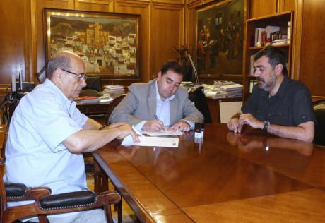 Diputación cede la colección de telefonía de Francisco Page a la Escuela Politécnica para su exposición permanente