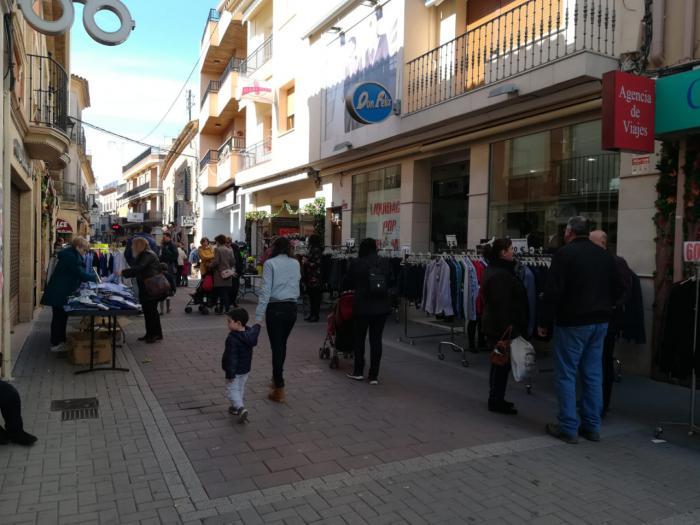 Gran afluencia de visitantes durante la celebración del XXII Mercadillo del Comercio de San Clemente