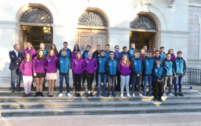 Diputación entrega 35.000 euros en becas a 47 jóvenes deportistas destacados de la provincia