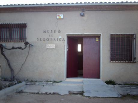 El PP acusa a Valero de ocultar que las grietas de Segóbriga son de 2008 y que han reaparecido por un mal arreglo de la Junta