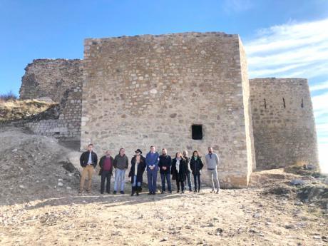 Prieto cree que la remodelación del castillo de Rochafría refuerza a Beteta como destino turístico