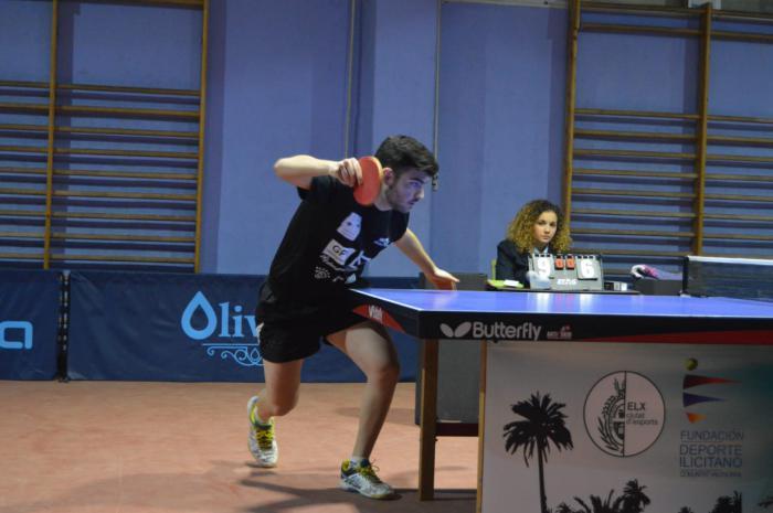 Los dos tenistas de mesa conquenses que siguen en competición, están logrando unos buenos resultados para sus equipos