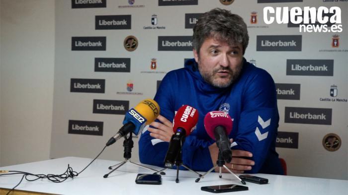 Francisco Bustos Gámez, entrenador del Ángel Xime?nez AVIA Puente Genil