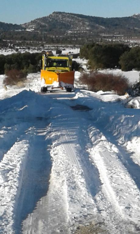 Alcaldes conquenses agradecen las tareas de limpieza de nieve realizadas por los efectivos de GEACAM