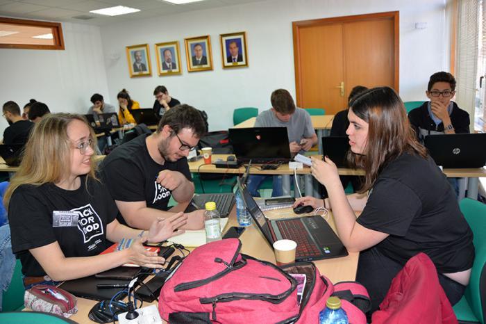 Telefónica y la UCLM retan a 32 hackers a desarrollar soluciones tecnológicas para construir un mundo mejor