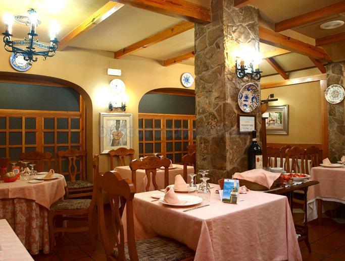 Los restaurantes 'La Muralla' y 'La Martina', ambos de la provincia , primeros premios de los galardones regionales de gastronomía 'Miguel de Cervantes'