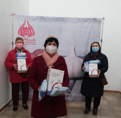 La IGP Ajo Morado de Las Pedroñeras colabora con la Asociación 'Árbol de la Vida' mediante la donación de mascarillas