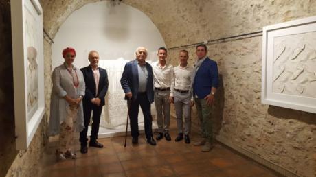 El origami textil de Pierre Louis Geldenhuys llega a la Fundación Antonio Pérez