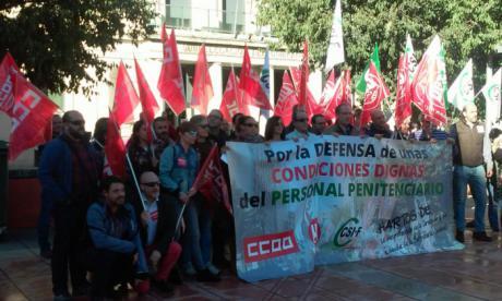 Movilización del personal penitenciario ante la Subdelegación del Gobierno de Cuenca
