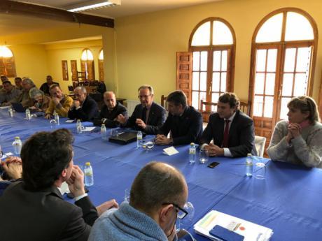 El presidente de Globalcaja, Carlos de la Sierra, con la Comisión Especial del Senado para luchar contra la despoblación en la provincia