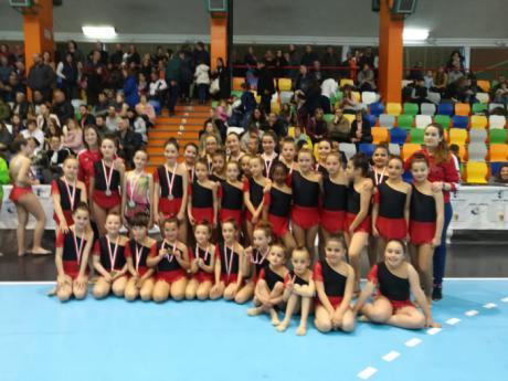 El CD Ritmo K en Q de gimnasia rítmica vuelve a realizar un provincial de 'ORO'