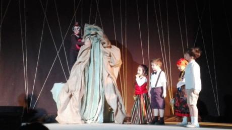Teatro y Graduación para clausurar el curso en el colegio de Santa Ana