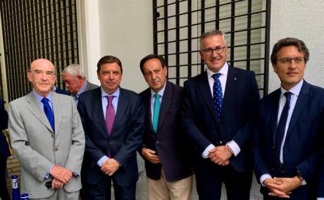 Globalcaja muestra su apoyo al sector del vino en Tomelloso