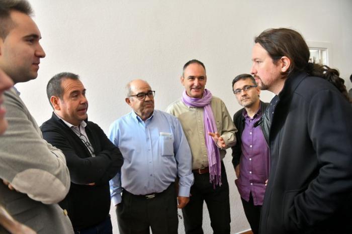 Fernando Garrote acompaña a Pablo Iglesias en un acto centrado en la despoblación