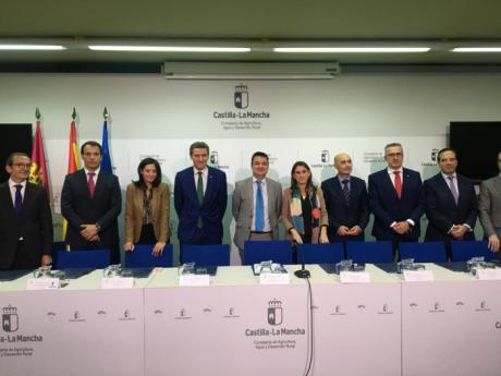 Globalcaja renueva con la consejeria de agricultura la colaboración para la financiación de los agricultores profesionales