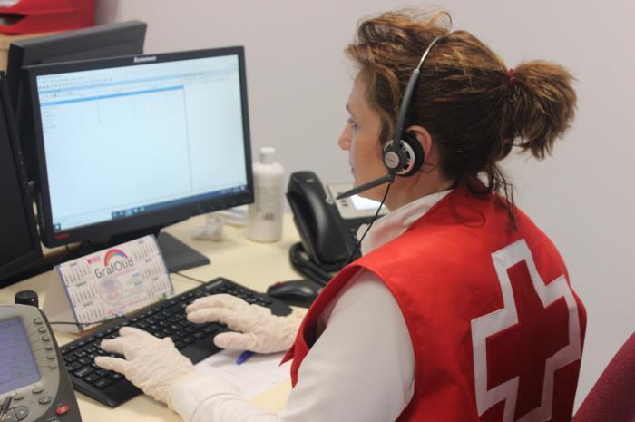 900 107 917, servicio 'Cruz Roja te escucha' para ofrecer apoyo psicosocial frente al COVID-19