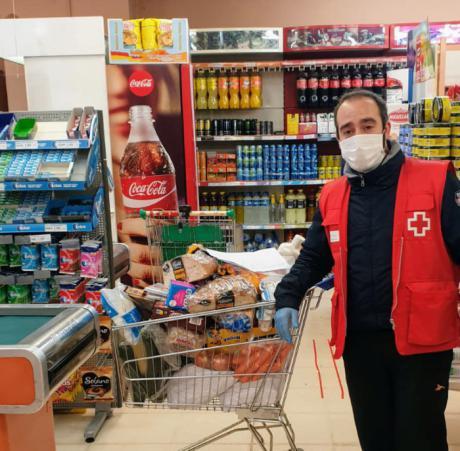 El Plan Cruz Roja RESPONDE refuerza el reparto de alimentos en Tarancón con la donación de Incarlopsa y Hermanos Bricio