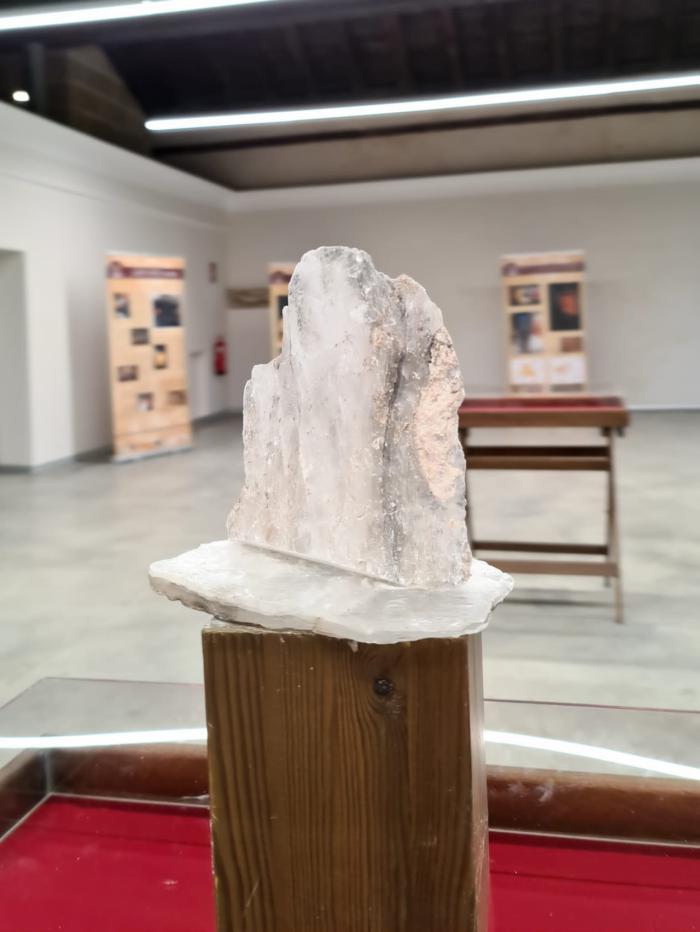 La exposición 'El Cristal de Hispania' incrementa el interés del público por el patrimonio romano del lapis specularis en Huete