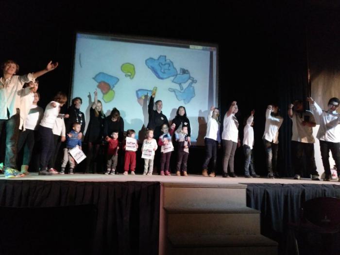 Presentación oficial del proyecto europeo 'Euroknitters' del colegio de Santa Ana de la capital