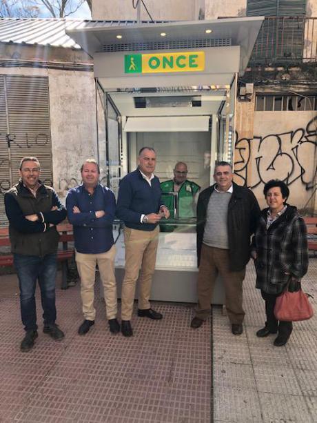 La ONCE estrena en Tarancón su nuevo modelo de quiosco más accesible, ecológico y cercano al público