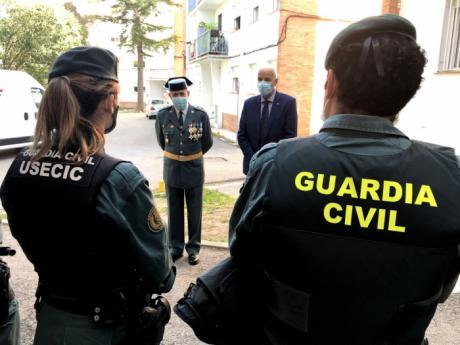 El subdelegado del Gobierno en Cuenca visita la Comandancia para felicitar a la Guardia Civil por la festividad de su Patrona la Virgen del Pilar