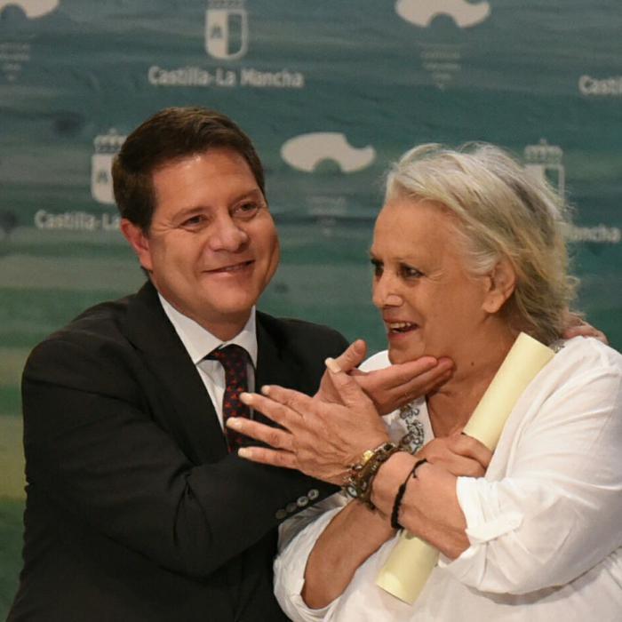 """García-Page lamenta la muerte de Terele Pávez, a cuyos familiares y amigos traslada todo su cariño """"y el amor de nuestra tierra"""""""