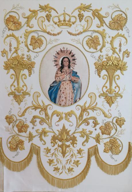 """El taller """"Artesanía del Bordado en Oro"""" ha vuelto a realizar el estandarte de la Virgen para el Vitor 2017 de Horcajo de Santiago"""