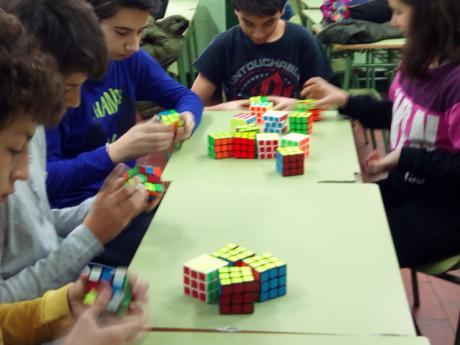 La capital acoge este sábado el Open Cubo de Rubik