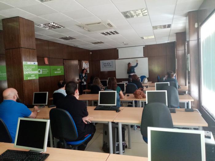 Una docena de empresas asisten a la jornada en CEOE CEPYME Tarancón sobre protección de datos