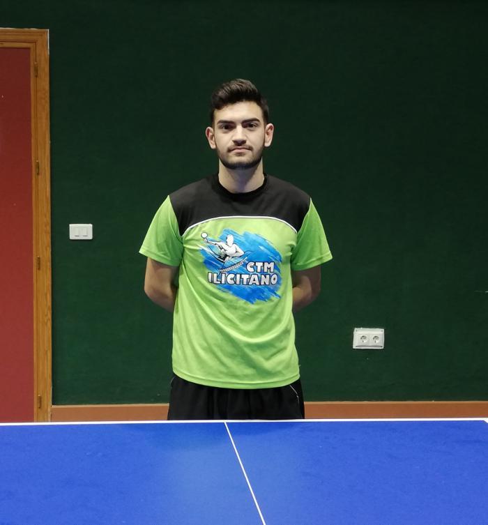 El tenista de mesa Francisco Almagro, jugará en primera división esta temporada.