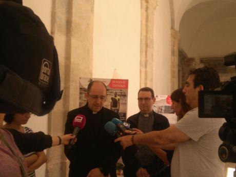 Cáritas comemora el Día Mundial del Refugiado con una exposición de testimonios en la Catedral de Cuenca