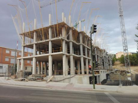 La Asociación de Empresas de la Construcción indica que la compraventa de vivienda sigue creciendo, pero basada en la usada