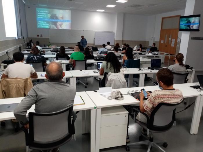 La segunda promoción de UFIL adquiere conocimientos de marketing con talleres y mentorías individuales