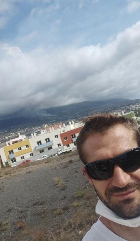 """David Real: el maestro conquense afincado en La Palma que está viviendo con """"calma tensa"""" la erupción del volcán"""