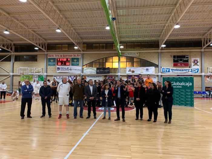 El pabellón Ángel Lancho de Quintanar del Rey se reinauguró con un partido benéfico entre las Leyendas del Real Madrid y el Basket Globalcaja