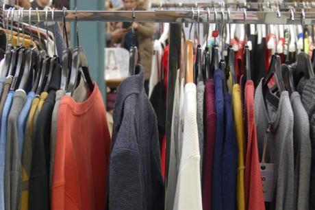 La Confederación de Empresarios indica que bajan los precios en julio por el esfuerzo de los comerciantes de vestido y calzado