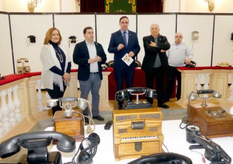 Diputación muestra más de un siglo de telefonía con la exposición de la colección de Francisco Page Collados